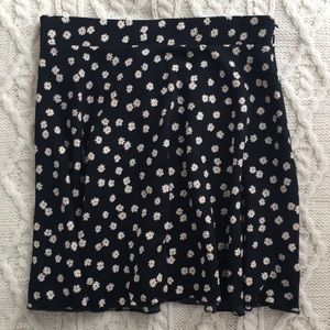 Tobi skater circle skirt daisy pattern
